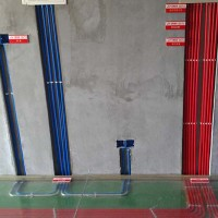 家装开槽水管开槽施工直径36一根管子50mm*50mm砖墙