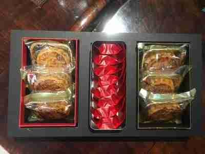 臻藏礼盒纯手工月饼六个豆沙蛋黄2个,莲蓉蛋黄2个,五仁2个 正山小种8泡